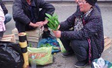 Мама девушки, которую задержали за незаконную торговлю, провела рейд по торговым точкам Екатеринбурга