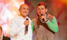 Екатеринбург спел под дождем вместе с Хором Турецкого.